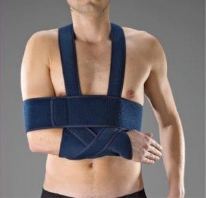A man wearing a Thuasne Shoulder Immobilisation Vest