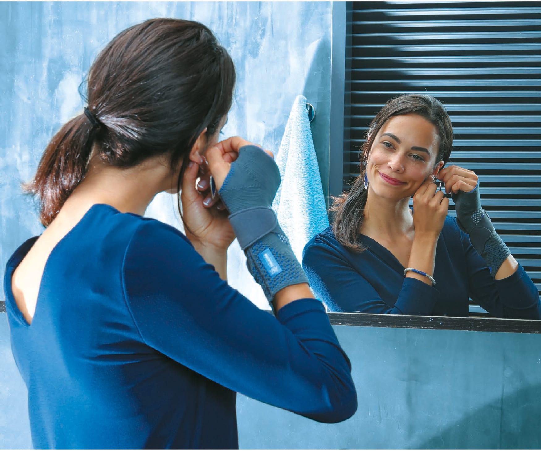 Woman wearing a Thuasne Wrist Brace